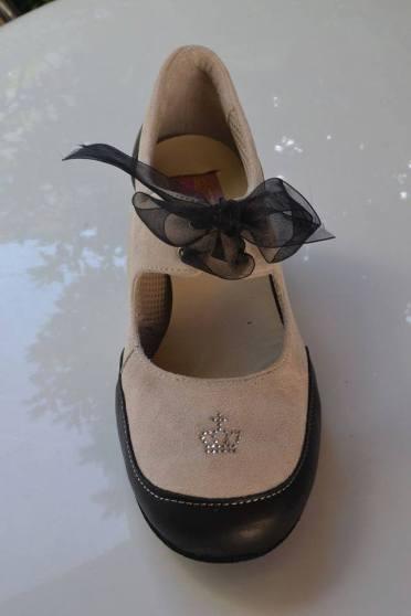 Torino TangoSolar esclusiva scarpe da ballo Regina Tango Shoes Cocò 03 Scarpa Pratica nero ed ecru con fiorcchetto