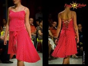 """Regina Tango Shoes Wear abbigliamento Torino Tangosolar moda giovane tempo libero Top Macaron jersey elasticizzato modellato sul corpo con effetto """"butièer"""" con stringhe incrociate sulla schiena Gonna Delice raso molto leggero con coda e spacco sulla gamba sinistra e coulotte interna per maggiore stabilità"""