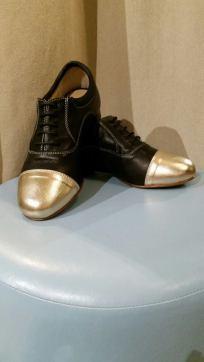 Regina scarpe bicolore oro nero tango Pratica donna Katy tango milonga scuola scarpa stringata esclusiva Torino TangoSolar