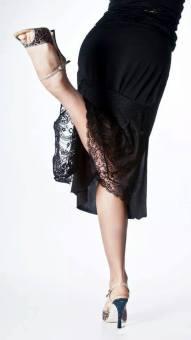 Regina gonna modello Tiramisù nero pizzo scarpe tango tacco alto ballare danza abbigliamento da sera esclusiva Torino Tangosolar