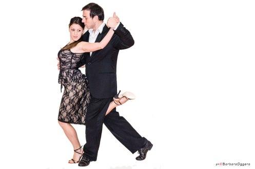 Barbara Oggero fotografia Marcelo Ramer Selva Mastroti Regina Tango Wear completo donna top e gonna Regina Tango Shoes scarpe tango ballare