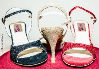 Barbara Oggero fotografia Regina Tango Shoes scarpe zapatos glitter nero oro rosso scarpe tango esclusiva Torino scarpe tacco alto per ballare Tango