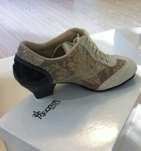 Regina Tango Shoes pratica scarpe TangoSolar Torino esclusiva scarpe
