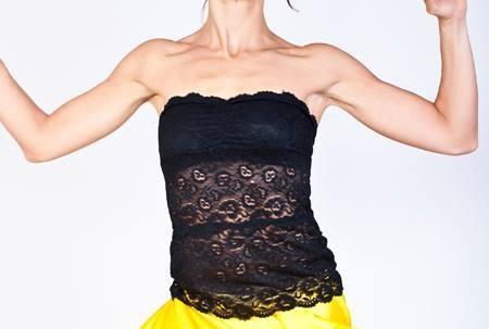 Tangosolar torino negozio abbigliamento tango aldobaraldo ballare milonga Regina Tango shoes wear corpetto top nero pizzo