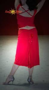 completo rosso ineditotango dietro dettaglio selva mastroti aldobaraldo negozio esclusiva torino