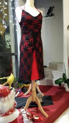 tangosolar-ineditotango-abito-rosso-pizzo-nero-eleganza esclusiva