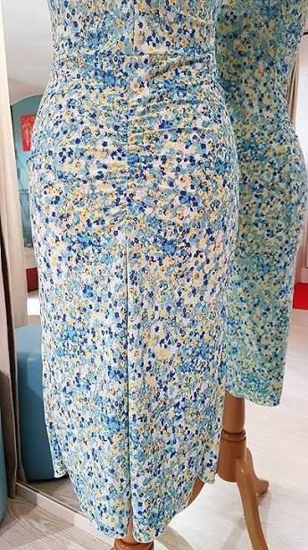 tangosolar abito floreale azzurro dettaglio gonna