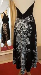 tangosolar torino abito nero rose bianche
