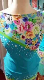 tangosolar torino abito azzurro fantasia floreale dettaglio